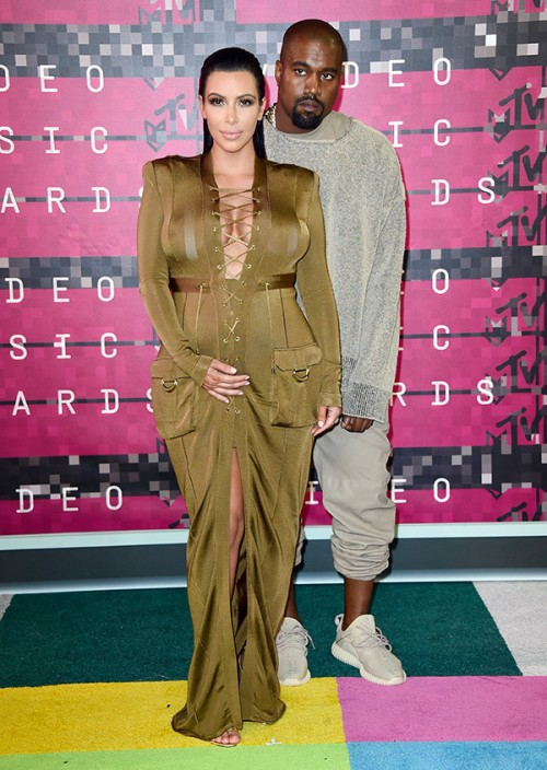 kim-kardashian-kanye-west-mtv-vmas-2015-video-music-awards1